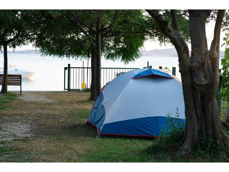 pola namiot na chorwacji