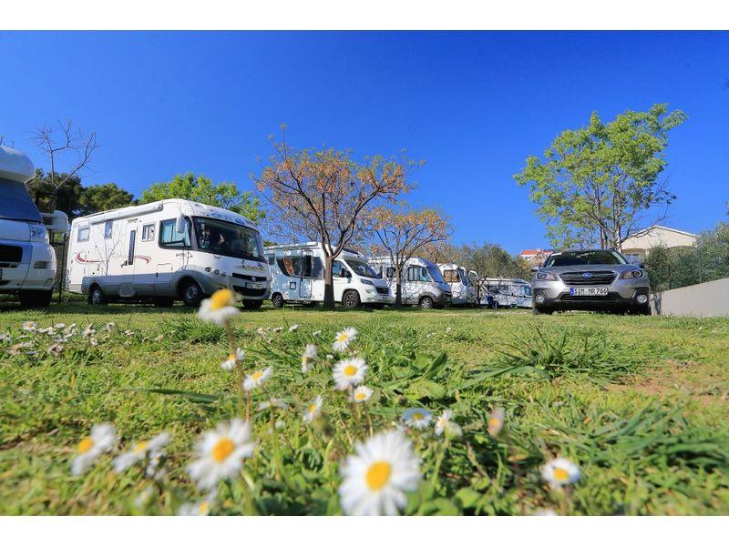 Pole namiotowe MATEA Bibinje ZADAR Chorwacja tanie noclegi